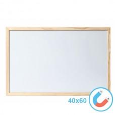 Бяла магнитна дъска 40х60 см с дървена рамка